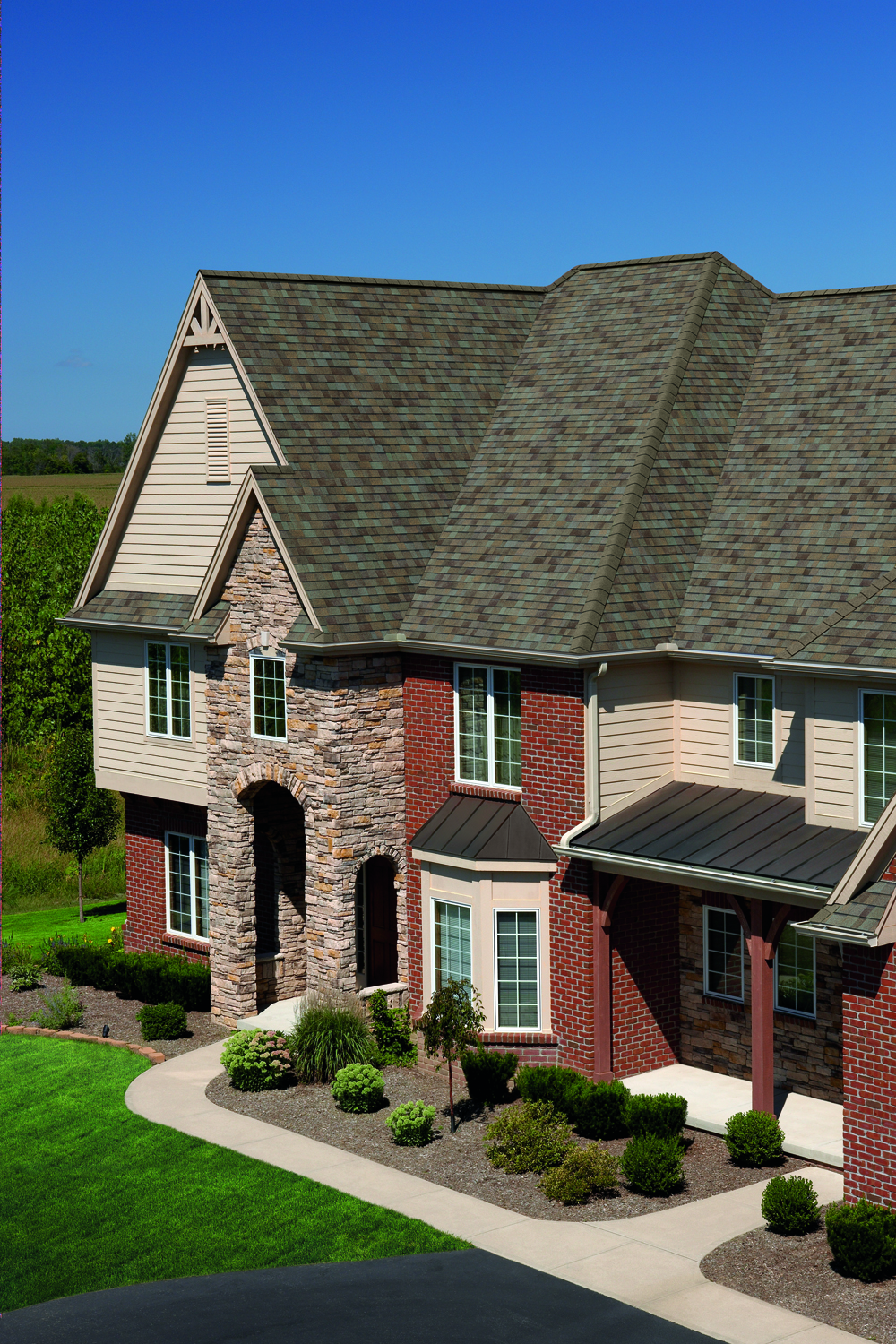 Cincinnati Roofing – A New Roof May Be Your Best Return on Investment