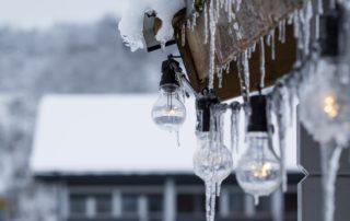 how to de-ice roof